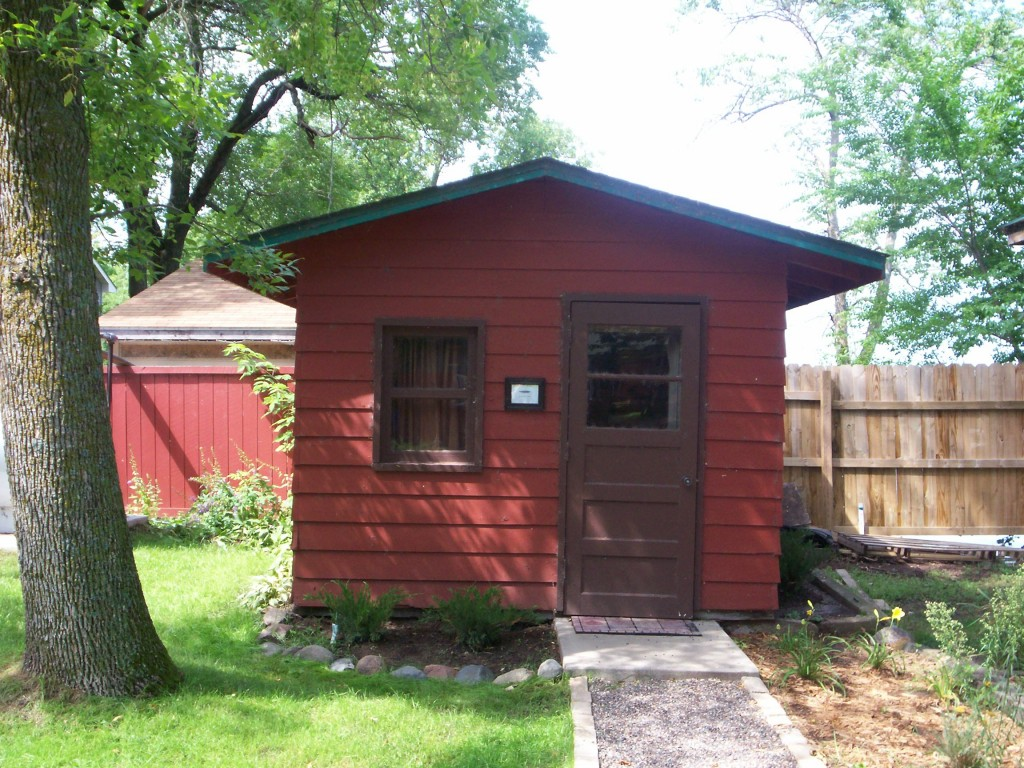 Angler 39 s den log cabins guides boat rentals launch for Fishing cabin rentals